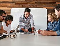 Com educação corporativa, empresas engajam equipes e melhoram os resultados - Senac | Estúdio Folha