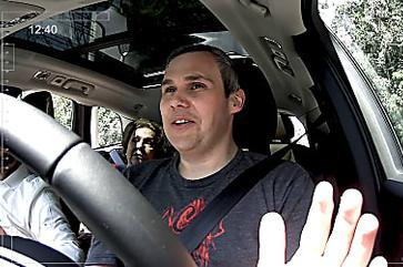 Reação espontânea durante test-drive vira campanha da Volvo