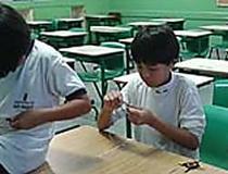 Cartilha da Turma da Mônica ensina crianças brasileiras a estudar no Japão