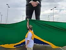 Em Manaus, Bolsonaro questiona se Brasil tem soberania sobre Amazônia