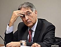 Sem dinheiro para 13º, Pimentel pressiona Senado por securitização
