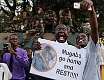 Mugabe caiu, mas sua máquina de roubar está instalada no Zimbábue