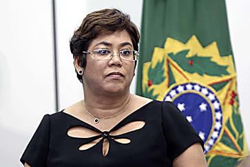 Ex-ministra de Dilma atua como vendedora de cosméticos