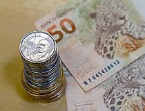 Com taxa Selic a 7%, poupança bate ganho da maioria dos fundos