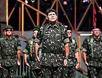 Ministro confirma exoneração de general que defendeu intervenção
