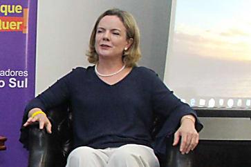 Gleisi Hoffmann muda planos para 2018 e contraria Lula