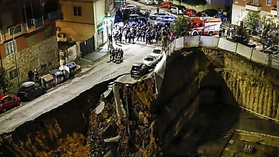 Huge Rome sinkhole prompts evacuations
