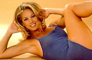 [Gallery] Denise Austin Is 61 & Her Fitness Days Are Long Gone
